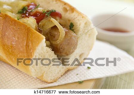 bild geschmolzener k se hot dog k14716677 suche stockfotografie fotos drucke bilder und. Black Bedroom Furniture Sets. Home Design Ideas