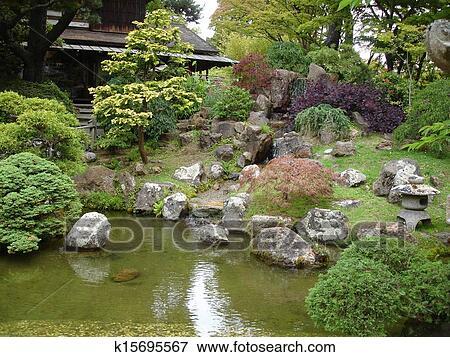 Archivio Illustrazioni Giardino Giapponese Con Casa K15695567