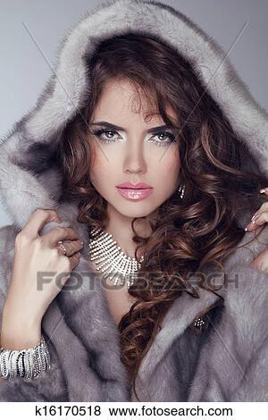 Beauté, mannequin, femme, dans, vison, fourrure, coat., hiver, girl, dans, luxe, vêtements, et ...