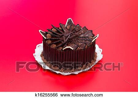Banco De Imagens Bolo Chocolate Decorado Com Shavings K16255566