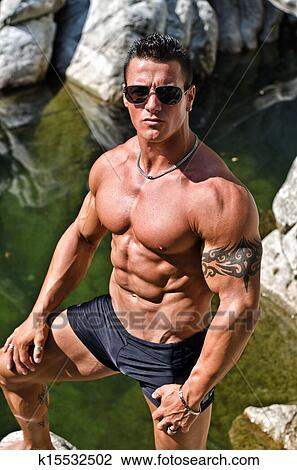 image Handsome bodybuilder and hot blonde sex tape