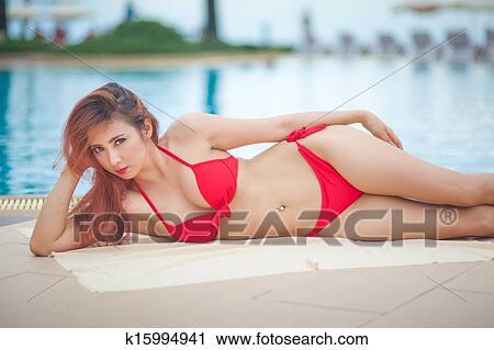 Sexy asian girls in bikinis