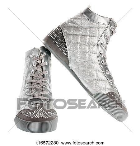 070fbfb5022 Ασημένια, αθλητικά παπούτσια Στόκ Εικόνων | k16572280 | Fotosearch
