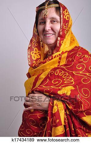 a243a0b7 Portrett, av, ei, eldre kvinne, inn, tradisjonelle, indisk, klær, og,  jeweleries