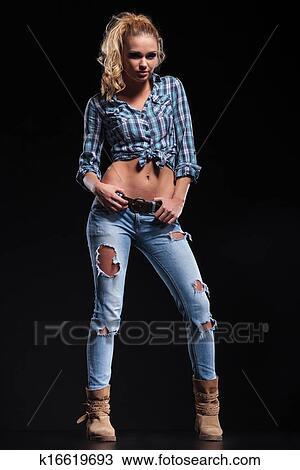 Ganzkörper, bild, von, a, heiße, junge frau, in, jeanshemd