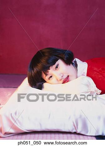 Foto japonesa desnuda cama images 248