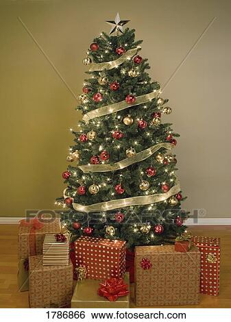 Stock Images Of Christmas Tree With Presents 1786866 Search Stock