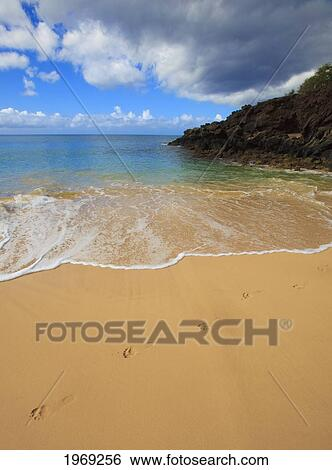Hawaii Maui Makena State Park Oneloa Or Big Beach With Footprints In The Sand Stock Photograph