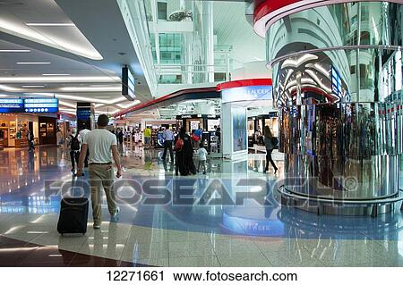 banques de photographies hors taxe achats d parts dubai airport dubai mirats arabes. Black Bedroom Furniture Sets. Home Design Ideas