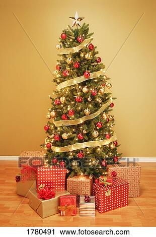 Stock Photography Of A Christmas Tree With Presents 1780491 Search