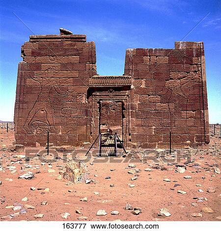 Resultado de imagen de foto de un templo en el desierto