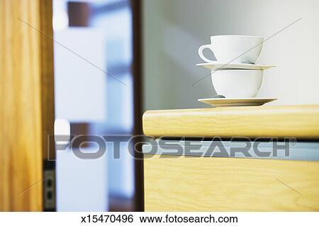 Banque d images tasses café sur classeur dans bureau gros