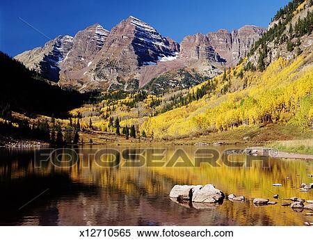 Usa Colorado Maroon Bells And Maroon Lake Autumn Stock
