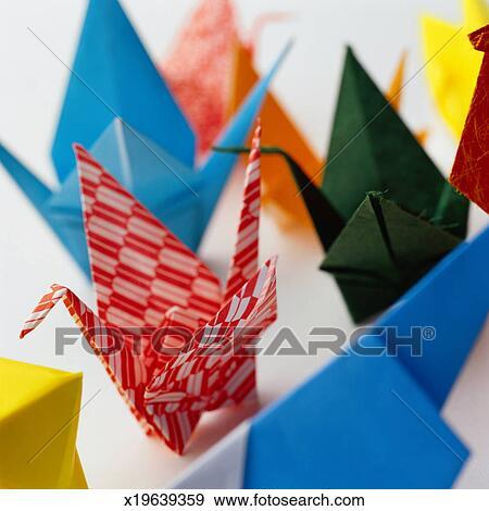 Origami Crane Tutorial - Traditional Origami Tsuru - Paper Kawaii   470x450