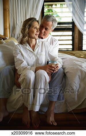 60 έτος γριά γυναίκα dating