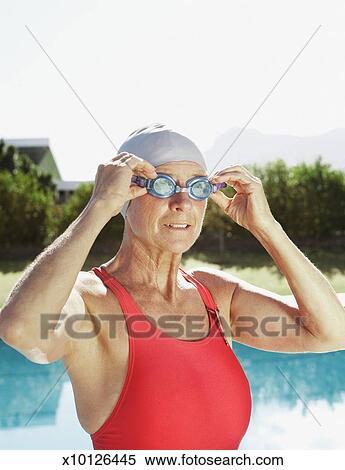 Mature swimsuit pics