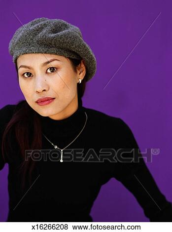 c2d549ddbdf Pictures of Young woman wearing beret