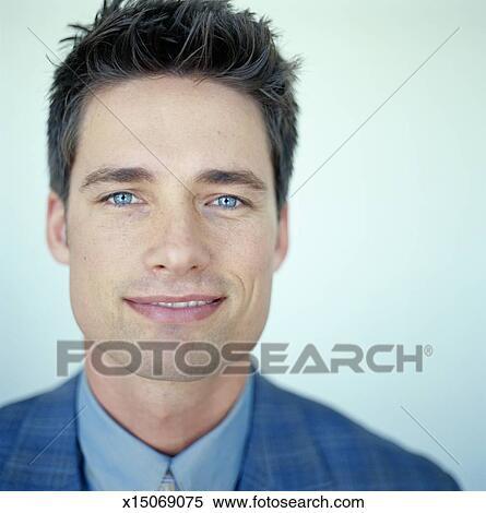 Banque d Image - portrait, de, a, jeune homme x15069075 - Recherchez ... 94de1676048