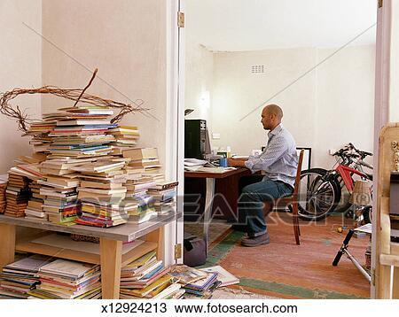Colecci N De Foto Hombre Trabajando En Ministerio Del