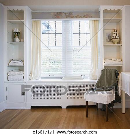 Stock Fotografie - stoel, naast, vensters, in, slaapkamer x15617171 ...