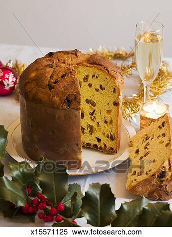Stock Bild Typisch Italienischer Kuchen Panettone X15571125