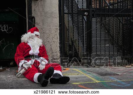 Stock Photography of Drunk Santa x21986121