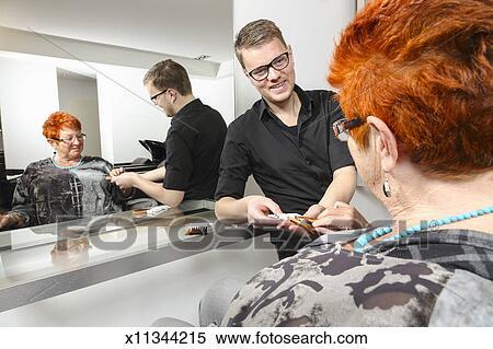 Friseur Ausstellung A Dame Haar Farbe Proben Stock Fotografie