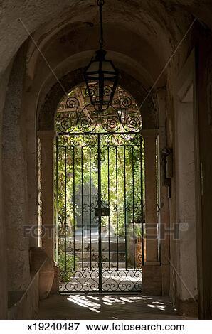 Fer forgé, porte, à, entrée, à, jardin Banque de Photo