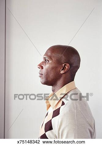 a7a66a3970 Hombre maduro, perfil Colección de imágen | x75148342 | Fotosearch