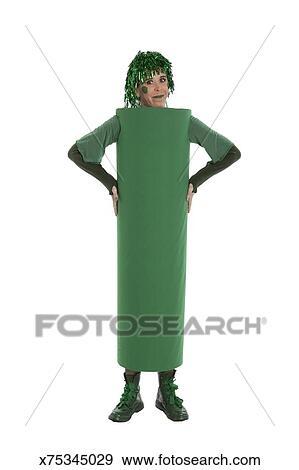 banque de photographies femme dans a fait maison haricot vert d guisement x75345029. Black Bedroom Furniture Sets. Home Design Ideas