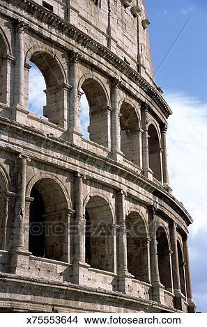 Exterior Superior Pared De Romano Antiguo Anfiteatro Coliseo