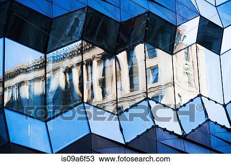 Stock Foto Buro Fassade Zuruckwerfend Klassische Architektur