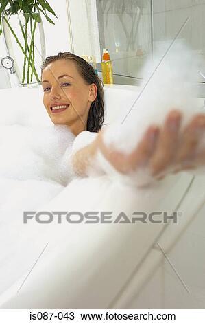 éclatant États Unis attrayant et durable Femme, dans, bain Banque d'Image