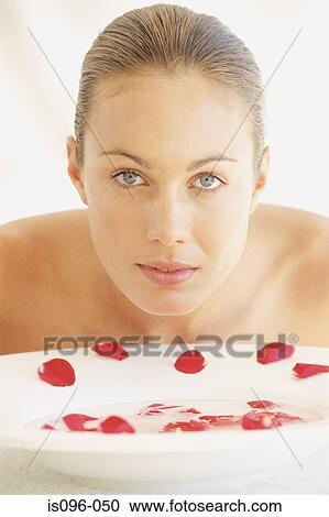 5e7dd69569f3c Arquivos de Fotografia - mulher, enxaguar, rosto is096-050 - Busca ...