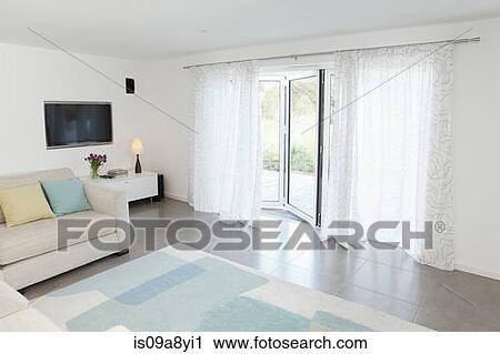 Wohnzimmer Tür, stock fotografie - wohnzimmer, mit, glas tür, to, kleingarten, Design ideen