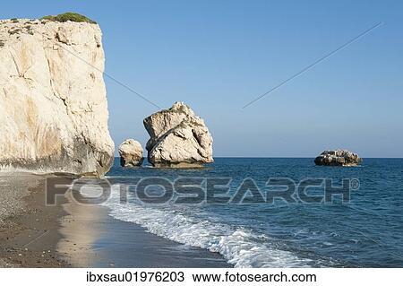 Aphrodite S Rock Petra Tou Romiou Birthplace Of The