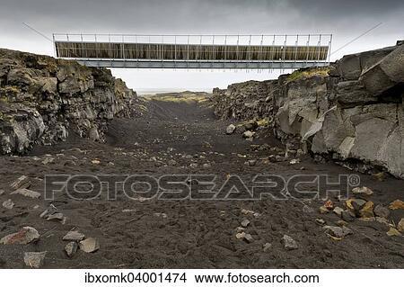 Bridge Between The Continents Crosses Fracture Zone American And European Tectonic Plates Reykjanesskagi Peninsula Iceland Europe