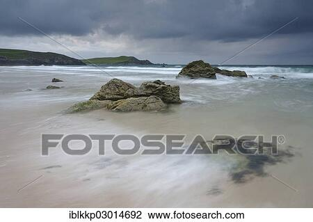Dark Clouds On The Coast Sandy Beach Of Sango Sands Schottland Durness Sutherland County Highland Scotland United Kingdom Europe