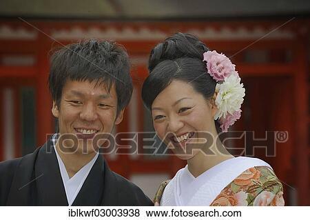 Images Japanese Homme Et A Femme Japonaise Porter A Kimono