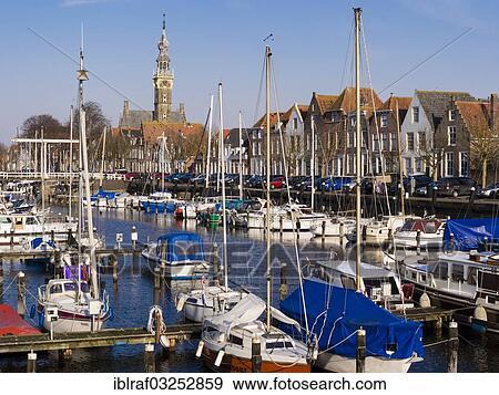 """Banque de Photo - """"sailing, bateaux, dans, les, marina, veere, walcheren, zeeland, province, les, pays-bas, europe"""". Fotosearch"""