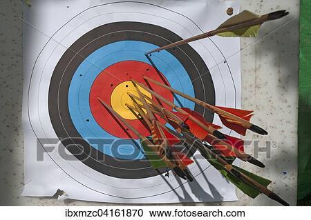 c7fa6e100 Banco de Fotografías - meta del tiro con arco