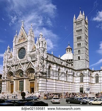 Kathedraal Van Siena.Kathedraal Van Siena West Voorkantaanzicht Door Giovanni
