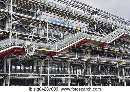 banque de photo couvert ext rieur escalier mus e art moderne pompidou centre marais. Black Bedroom Furniture Sets. Home Design Ideas