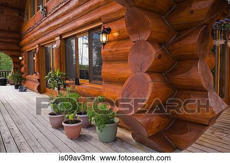 Assi Di Legno Decorate : Archivio fotografico esterno di cottage stile abbattere casa