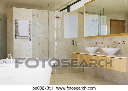 Moderne, salle bains, douche, vanité, et, baignoire Banque d\'Image