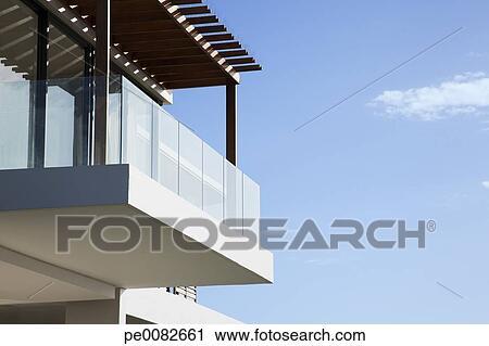 Glas, balkon, auf, modernes, haus Stock Bild   pe0082661   Fotosearch