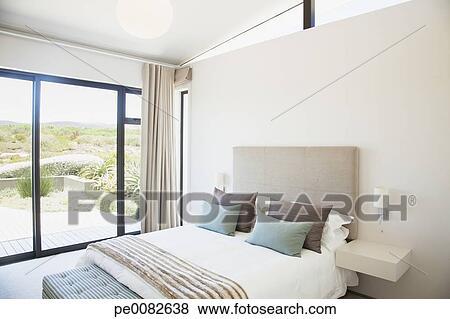https://fscomps.fotosearch.com/compc/OJO/OJO325/hippe-slaapkamer-beelden__pe0082638.jpg