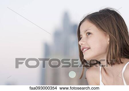 Girl looking away, side view Picture