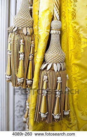 gouden tassels met zijde antieke gordijnen