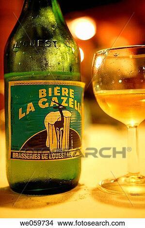 Banque de Photo - bouteille, alcool, bi?re, la, gazelle, bière, boisson alcoolique, afrique